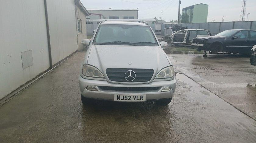 Dezmembrez Mercedes ML W163