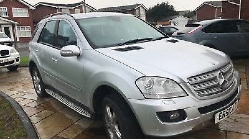 Dezmembrez Mercedes ML w164