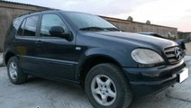 Dezmembrez Mercedes ML270 CDI W163 120kw 163cp tip...