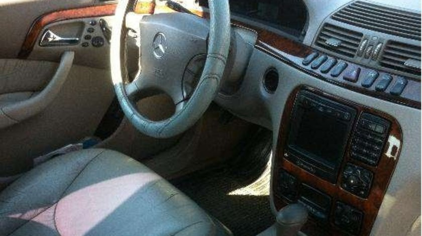 Dezmembrez Mercedes S-class w220