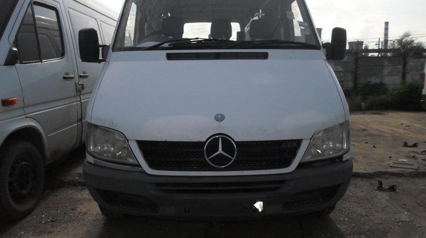 Dezmembrez Mercedes Sprinter 2.2 CDI 2000 - 2006