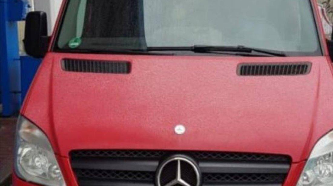 Dezmembrez Mercedes Sprinter 2.2 cdi euro 5 an 2011