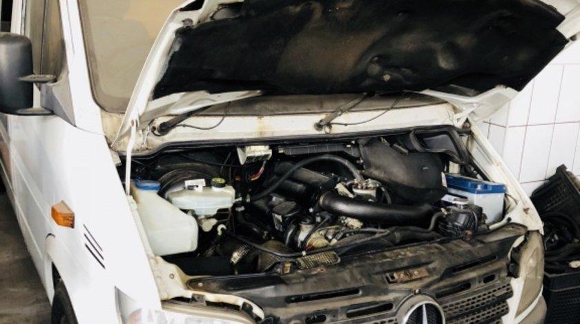 Dezmembrez Mercedes Sprinter 211 CDI an 2005
