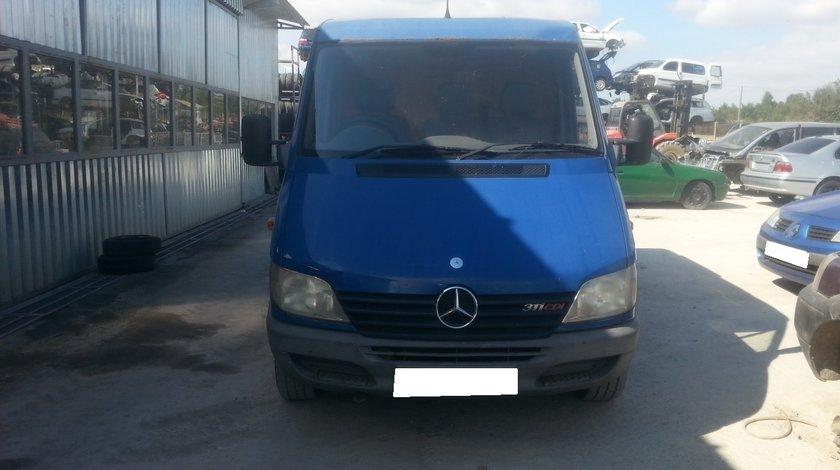 Dezmembrez Mercedes Sprinter W903 , 2.2 311CDi 2003