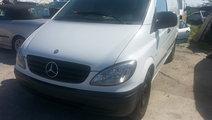 Dezmembrez Mercedes Vito 115 CDI W639 motor 2148 c...