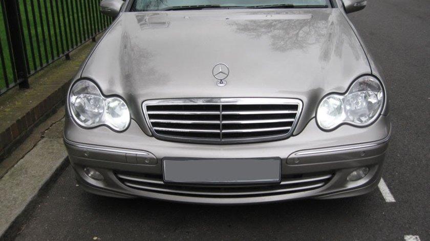 Dezmembrez Mercedes w203 facelift