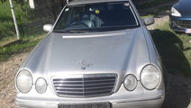 Dezmembrez Mercedes W210 facelift Avangarde E220cd...