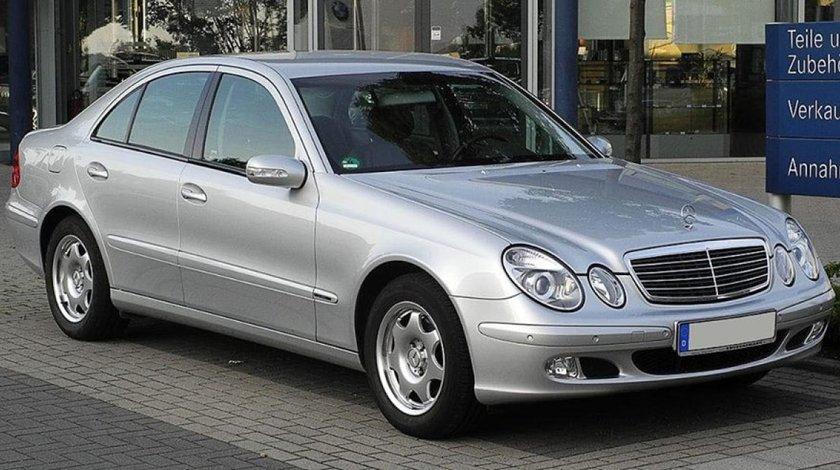 Dezmembrez Mercedes W211 2.7 cdi 2.2 cdi an 2004