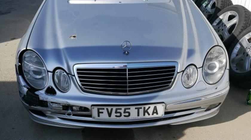 Dezmembrez Mercedes w211 e220 cdi
