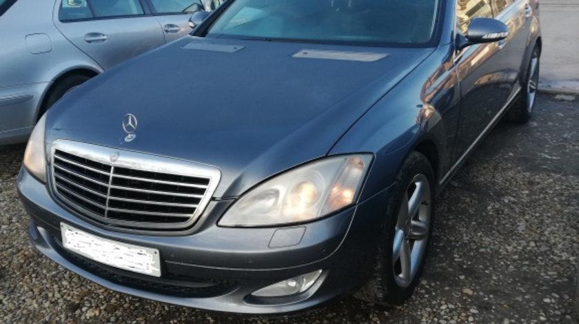 Dezmembrez Mercedes W221 S-class 320 CDI 2007