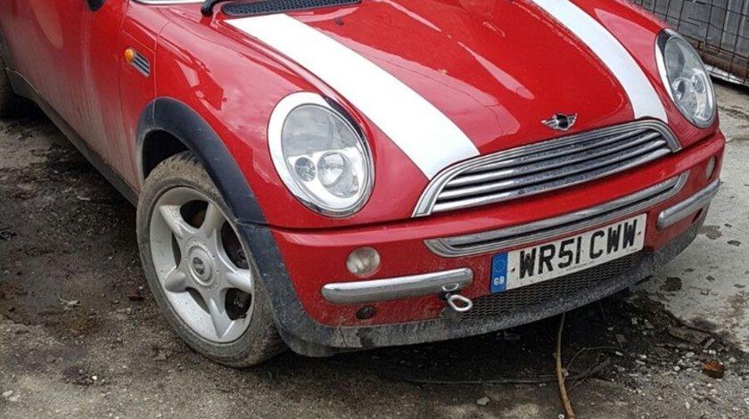 Dezmembrez Mini Cooper an 2002 motor 1.6 benzina