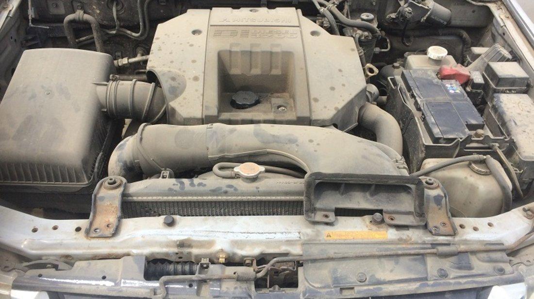 Dezmembrez Mitsubishi Pajero 3.2 DID