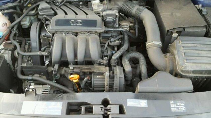 Dezmembrez Motor 1.6b BSE complet sau accesorii motor