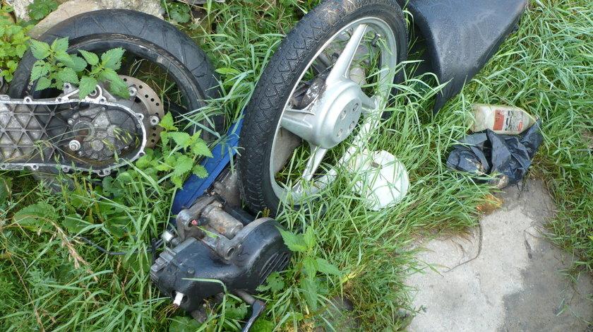 Dezmembrez Motor Piaggio Velofax 49 cm 2 T cu pedale