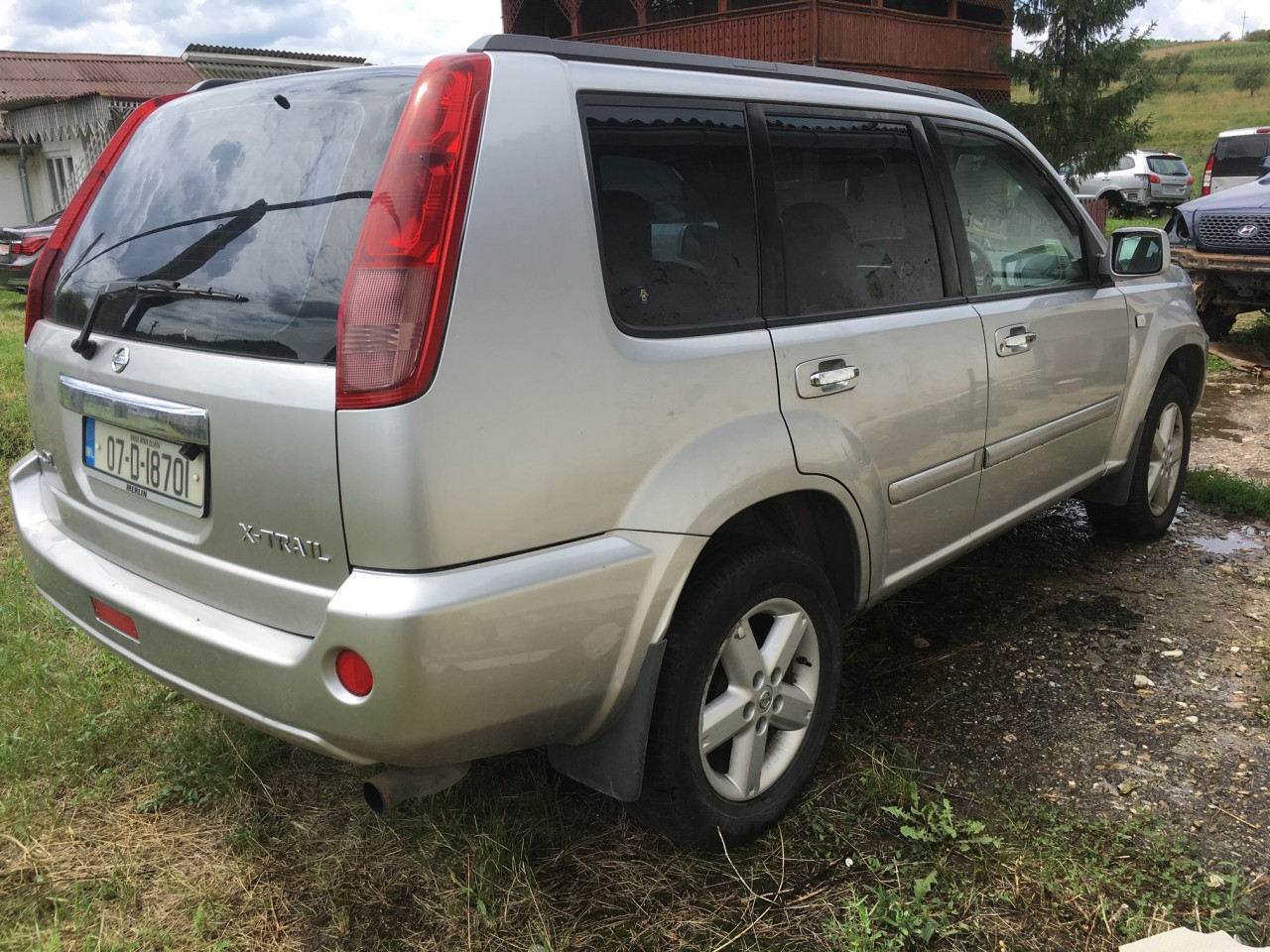Dezmembrez Nissan X-Trail 2.2 diesel