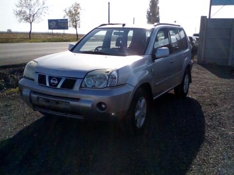 Dezmembrez Nissan  X-Trail ,an 2004