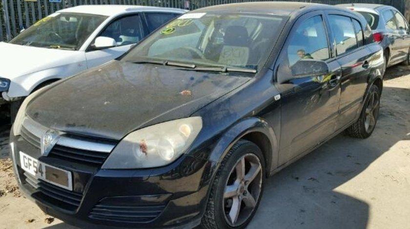 Dezmembrez Opel Astra 2004 1.7cdti