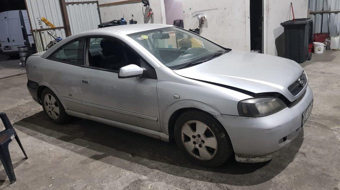 Dezmembrez Opel Astra Bertone 1.8 16V z18xe 125 cai din 2003