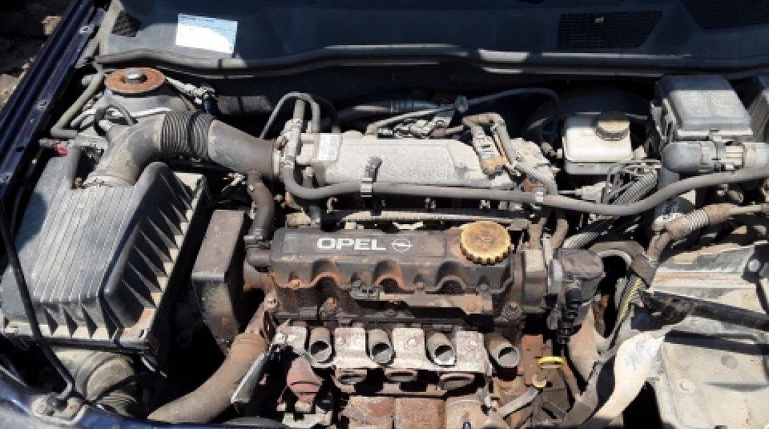 Dezmembrez Opel Astra G, an 2000, motorizare 1.6