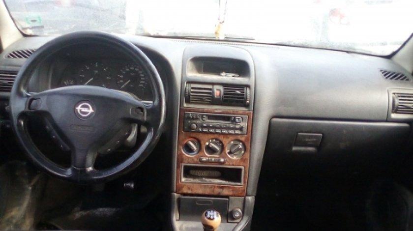 Dezmembrez Opel Astra G, an 2001, motorizare 2.0 DTI 16V