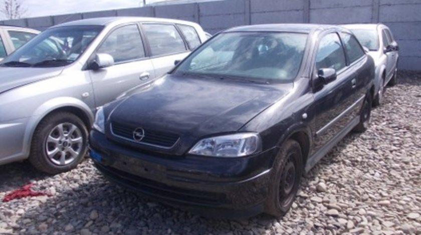 Dezmembrez Opel  Astra G ,an 2002