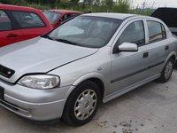 Dezmembrez Opel Astra G berlina, an 2000, 1.7 diesel