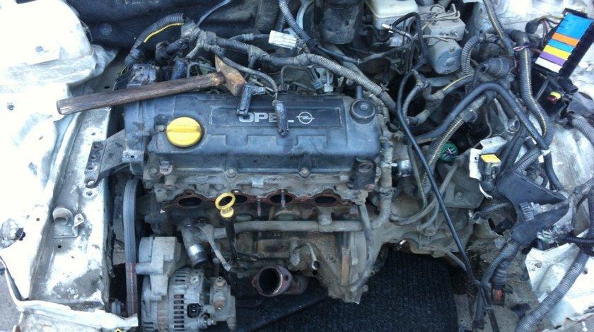 Dezmembrez Opel Astra G caravan din 2001 motor de 1 7D