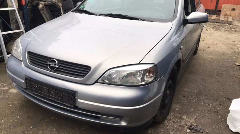 Dezmembrez Opel Astra G Coupe