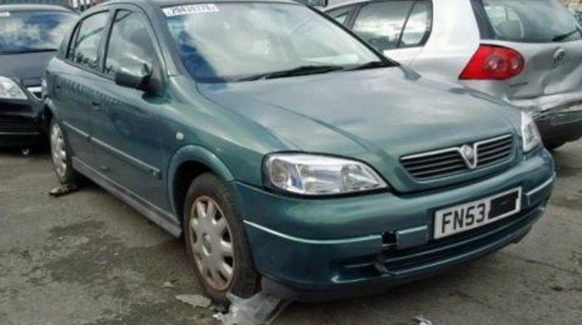 Dezmembrez Opel Astra G hatchback
