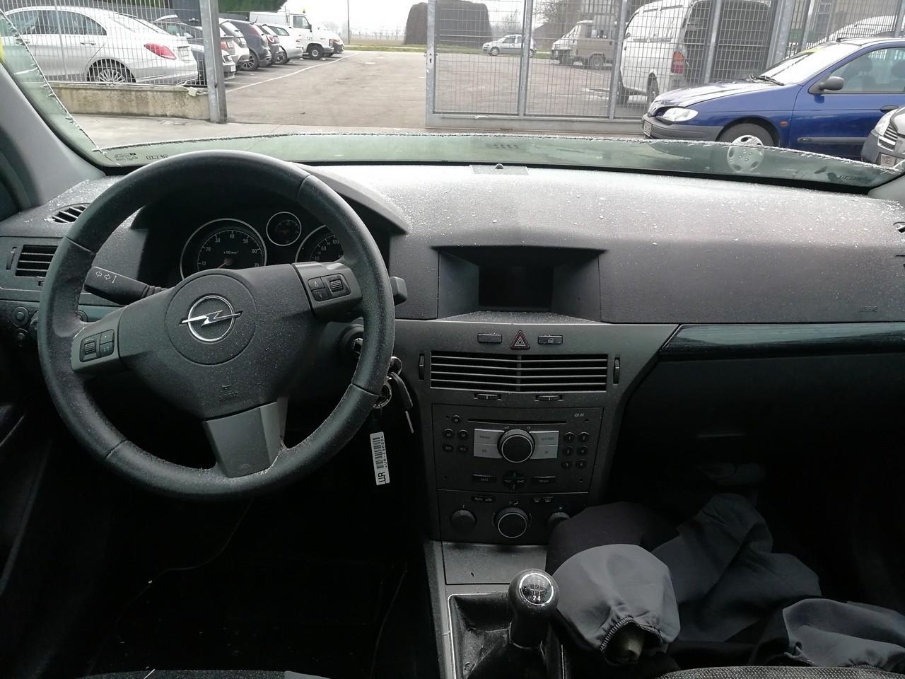 DEZMEMBREZ Opel Astra H 1.6 16v tip Z16XEP