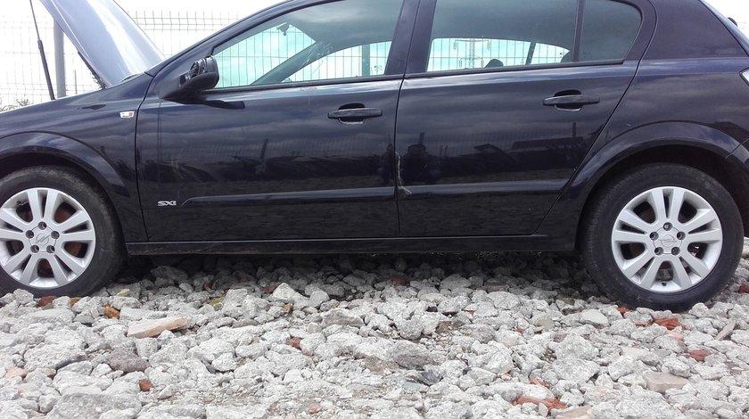 Dezmembrez Opel Astra H 1.7 Z17DTH 101 cp negru cod culoare Z2HU
