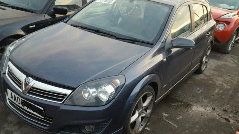 Dezmembrez Opel Astra H 1.9cdti 2008