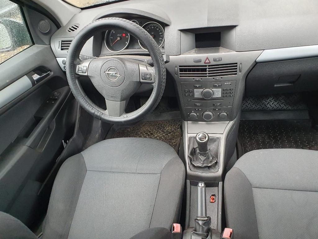 Dezmembrez Opel Astra H 2007 break 1.9 cdti