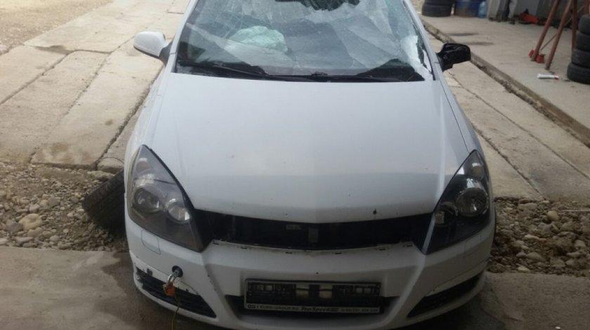 Dezmembrez Opel Astra H Hatchback 1 3 Cdti 90 Cai 6 Trepte