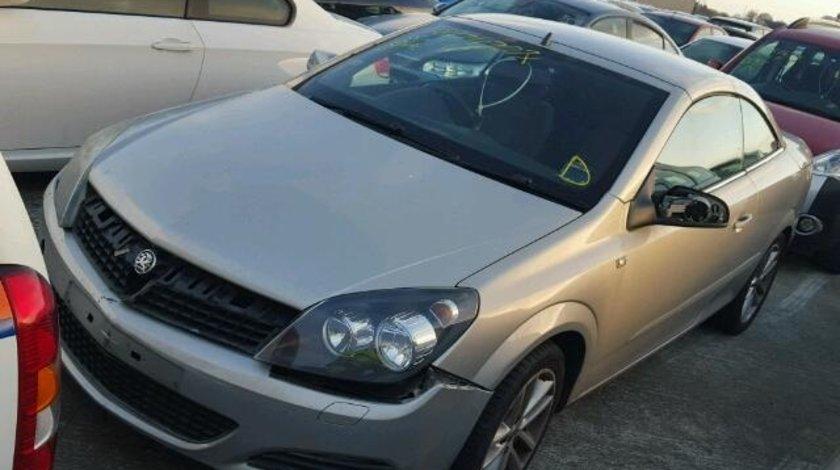 Dezmembrez Opel Astra H Twin Top 1.7cdti