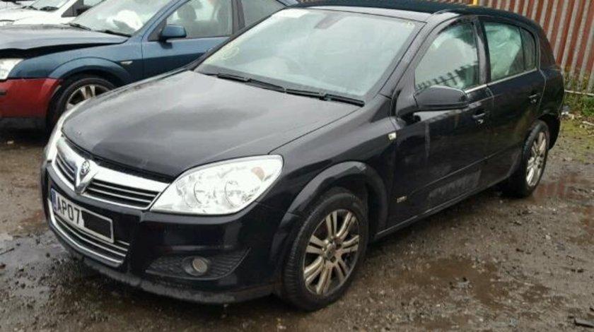 Dezmembrez Opel Astra HB 2007 1.7cdti