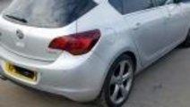 Dezmembrez Opel Astra J 1.4 b