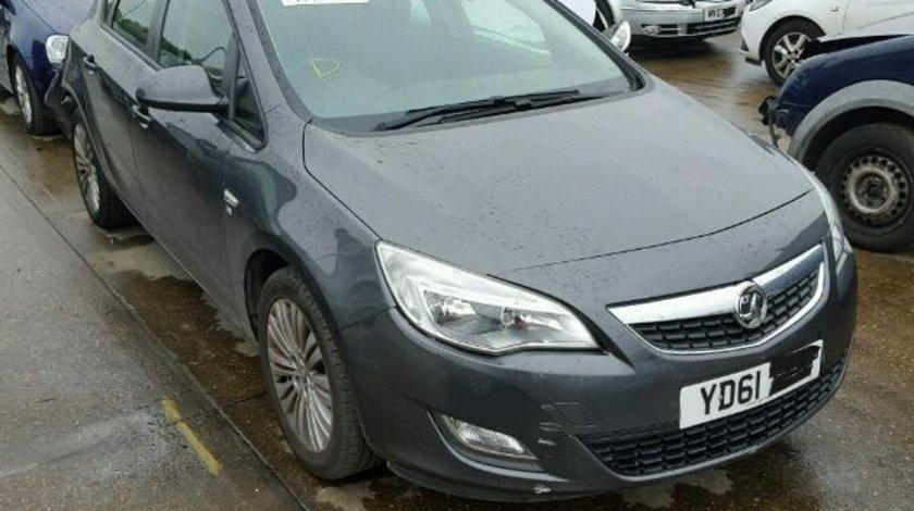 Dezmembrez Opel Astra J, 1.6benz