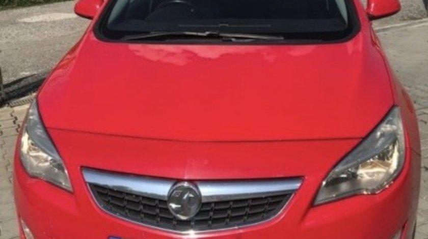 Dezmembrez Opel Astra J 2.0 2012
