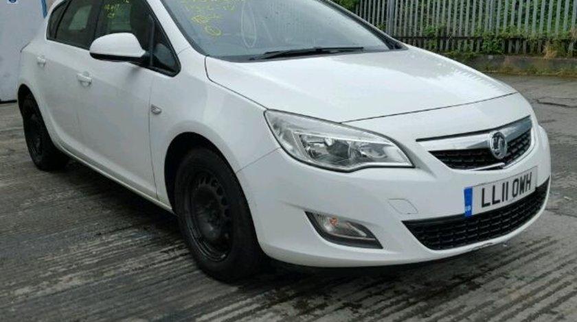 Dezmembrez Opel Astra J, 2.0cdti