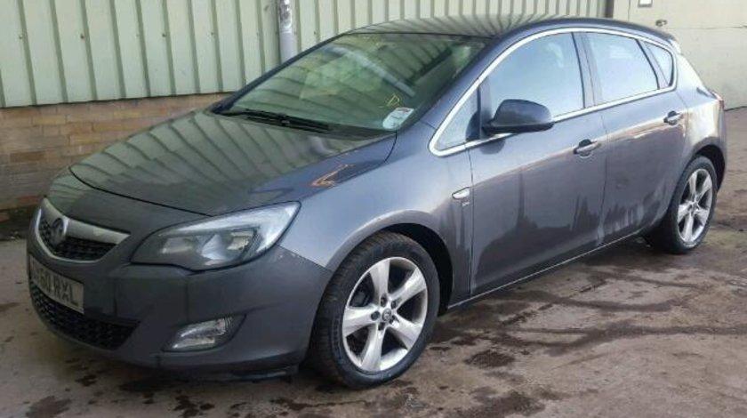 Dezmembrez Opel Astra J combi, 1.7cdti, A17DTL