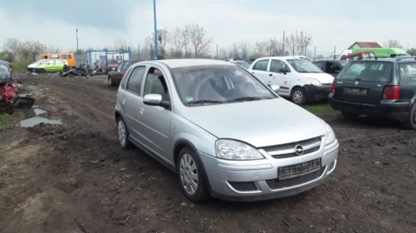 Dezmembrez Opel Corsa C, an 2005, motorizare 1.2 Twinport
