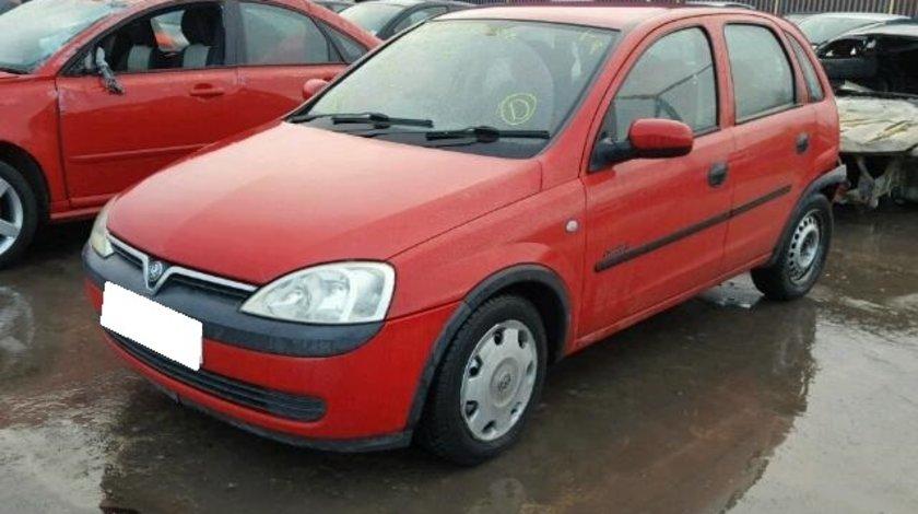 Dezmembrez Opel Corsa C an fabr. 2002, 1.0i