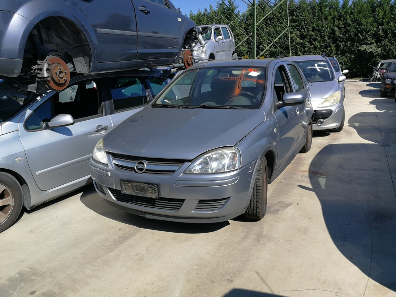 Dezmembrez Opel Corsa C facelift an 2003 tip motor Z12XE
