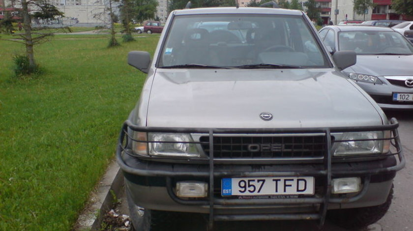 Dezmembrez Opel Frontera A 2300 TD  Piese Opel Frontera