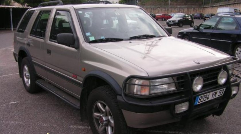 Dezmembrez Opel Frontera A 4 usi 2200 Benzina Piese Opel Frontera