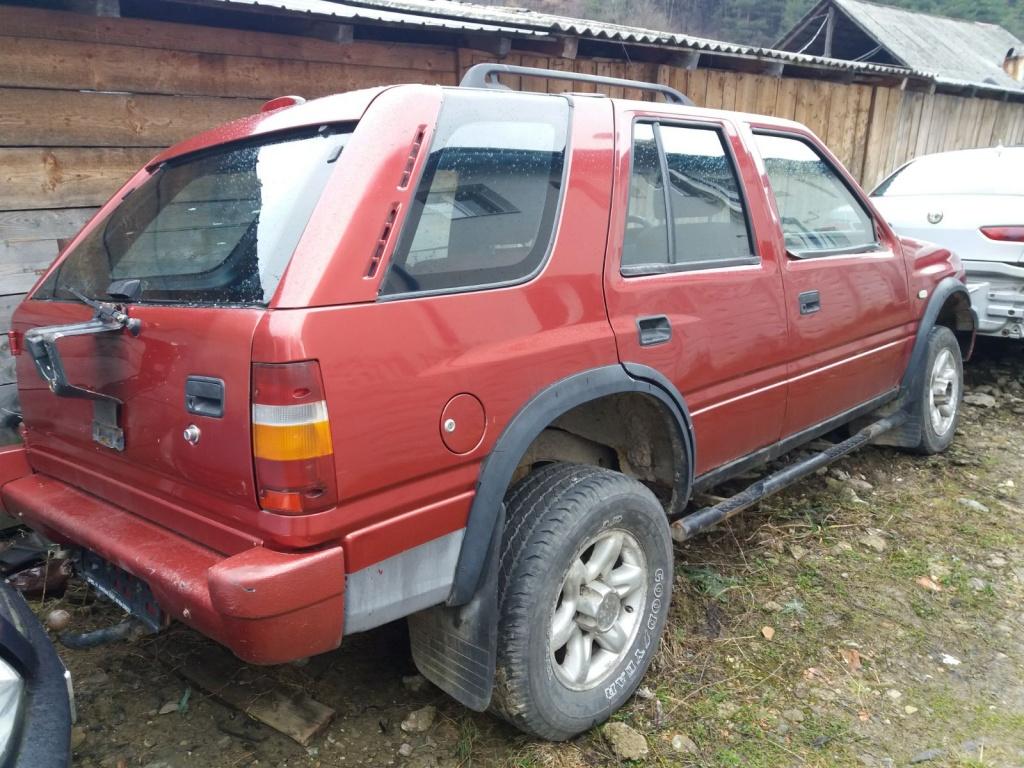 Dezmembrez Opel Frontera A benzina 1995