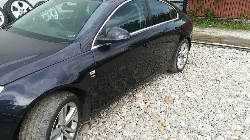 Dezmembrez Opel insignia A  2.0 cdti din 2009