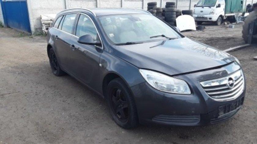 Dezmembrez Opel Insignia, an 2010