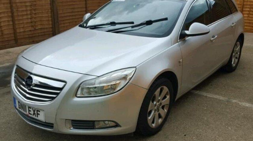 Dezmembrez Opel Insignia combi 2.0cdti
